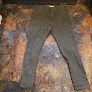 H&M men's olive green slim fit pants, size 33!